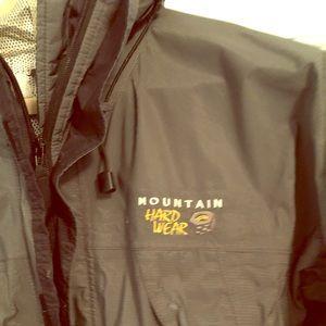 Mountain Hardware Gore-Tex Jacket   Medium   Grey
